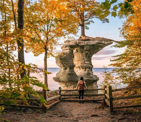 3 hidden treasures in the fall of Michigan - Destination vacances été 2019 Fall In Michigan, Lake Michigan, Port Austin Michigan, Northern Michigan, Michigan Vacations, Michigan Travel, Dream Vacations, Places To Travel, Lake Superior