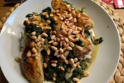 Hähnchenbrust auf Spinat mit Currysoße überbacken, ein raffiniertes Rezept aus der Kategorie Geflügel. Bewertungen: 135. Durchschnitt: Ø 4,4.