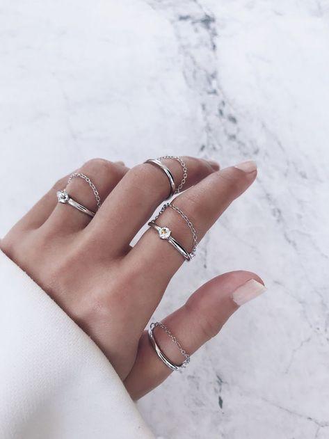 Silver white gold diamond rings. Round cut   brilliant cut solitaire  diamond 5eb6f2e45d0