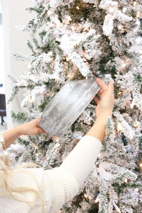christmas tree outdoor How to Decorate Your Christmas Tree Like a Pro - Melissa Roberts Interior Decorate Christmas Tree Like A Pro, Elegant Christmas Trees, Merry Christmas, Flocked Christmas Trees, Ribbon On Christmas Tree, Christmas Mantels, Christmas Tree Toppers, Pink Christmas, Xmas Tree