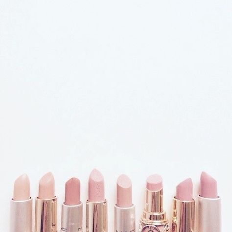 Totally love my nude lipsticks. I am especially keen on mixing YSL no.29 & Sleek 'Naked' for the perfect caramel lip!....x