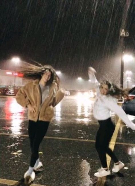 bff bucket list 💗 ◦ take a road trip  ◦ pull an all nighter togeth… - At Home Spa Day Ideas and Recipes 2020 Cute Friend Pictures, Best Friend Pictures, Cute Photos, Bff Pics, Cute Bestfriend Pictures, Funny Pictures, Film Marathon, Best Friend Photography, Photography Ideas