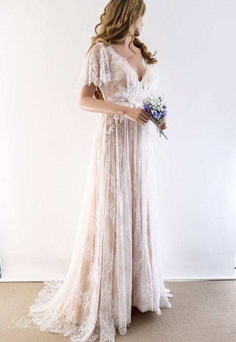 Lace Wedding Dress / Unique Wedding Dress / Boho Wedding Dress with Sleeves / Beach Wedding Dress / Open Back Dress ✂️ PRODUCTION TIME: All my clothes are hand made to order. Please allow 8 to 10 weeks for production. We recommend order...  #beach #Boho #Dress