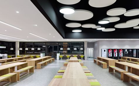 DIA – Dittel Architekten redesigns the 770 m² Breuninger canteen 'Casino' right after finishing the employees terrace of the flagship store in Stuttgart.