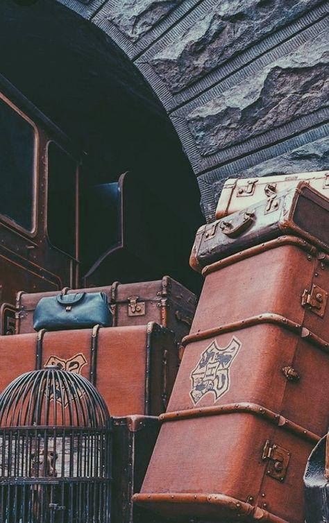 14 Photos That Will Inspire You To Travel Lieben Sie Harry Potter Fanfiction? Schauen Sie sich unsere Harry Potter Fanfiction Empfohlene Leselisten an – FanfictionEmpfehlung … Harry Potter Tumblr, Magie Harry Potter, Estilo Harry Potter, Arte Do Harry Potter, Harry Potter Pictures, Harry Potter Universal, Harry Potter Fandom, Harry Potter Hogwarts, Harry Potter World