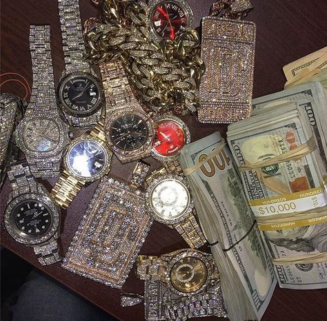 Read Richesse from the story Boujee Aesthetic, Bad Girl Aesthetic, Rich Lifestyle, Luxury Lifestyle, Money On My Mind, Money Stacks, Grillz, Cute Jewelry, Luxury Jewelry