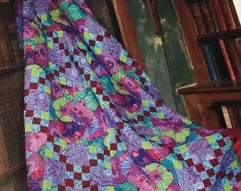 New Kaffe Fabric Quilt Kit Kaffe Fassett Stone Log Cabin 78 X82 100 Cotton Rare Limited Edition In 2020 Quilts Rag Quilt Quilt Kit