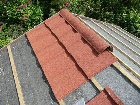 Repairing A Shed Roof Roofing Felt Or Shingles In 2020 Roofing Felt Shed Roof Shed