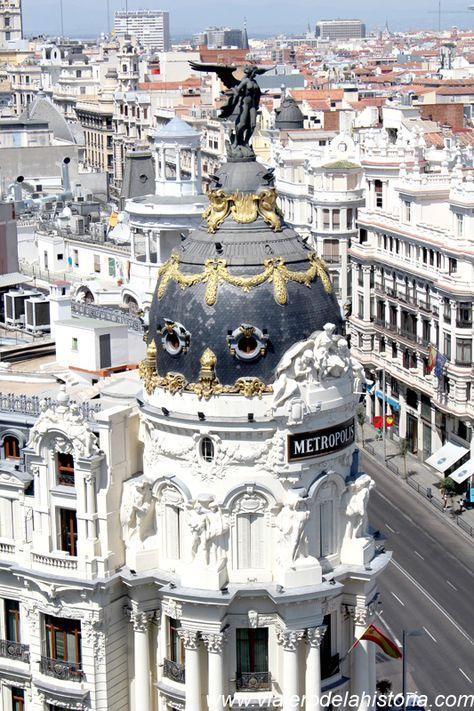 El Edificio Metropolis Desde La Azotea Del Circulo De Bellas Artes Madrid Espana Centro De Madrid Madrid Espana Circulo De Bellas Artes