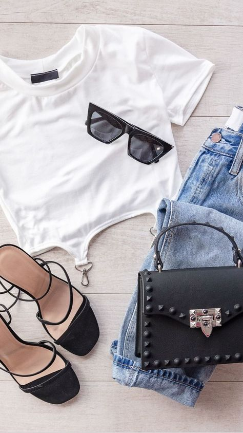 4 Casual Looks Styling Blue Jeans 👖