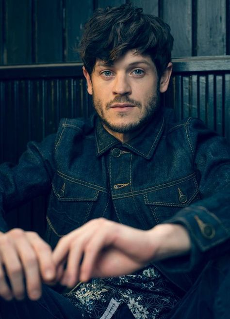 Iwan Rheon, love him in Misfits and he is a very talented singer too <3