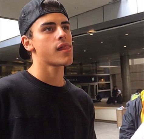 Image about boy in ◞♡ 𝘧𝘪𝘭𝘵𝘦𝘳𝘦𝘥 by homo. on We Heart It Jack Gilinsky, Magcon Boys, Magcon Family, Jack Johnson, Jack And Jack, Bae, Fine Men, Wattpad, Most Beautiful Man