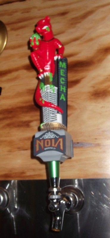 Cerveja Nola Mecha (ex-Mechahopzilla), estilo Imperial / Double IPA, produzida por Nola Brewing, Estados Unidos. 8.8% ABV de álcool.