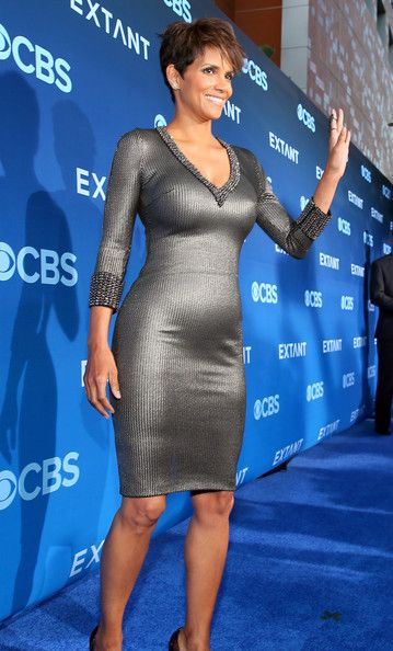 Halle Berry Photos - 'Extant' Premieres in LA — Part 2 - Zimbio