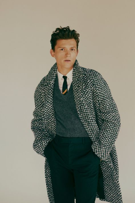 Tom Holland was cast as Spider-Man at 18 and now, at he& one of the highest-grossing actors of In his GQ Style cover story, Holland talks about the difficulties of his skyrocketing fame, life lessons from The Rock, and more. Abercrombie Men, Gq Style, Style Men, Boys Style, Fanny Latour Lambert, Beautiful Boys, Beautiful People, Hero Marvel, Tom Holland Peter Parker