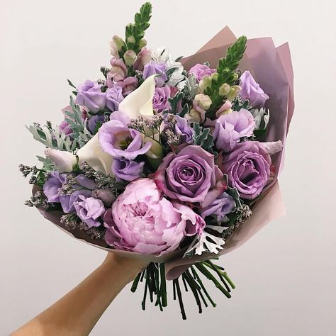 58 Ideas For Garden Flower Arrangements Lavender In 2020 Birthday Flowers Bouquet Flowers Bouquet Gift Flower Arrangements
