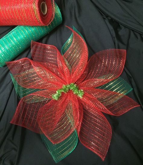 Mesh Poinsettia If I were you, I would freakin' adore me, said the tip that changed my life. Christmas Mesh Wreaths, Christmas Bows, Merry Christmas, Christmas Decorations, Rustic Christmas, Christmas Trees, Deco Mesh Crafts, Deco Mesh Wreaths, Couronne Diy