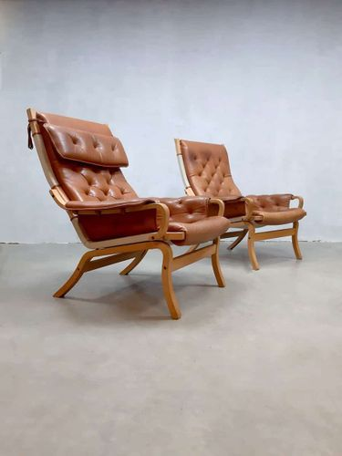 This Is A Set Of 2 Beautifully Streamlined Unique And Special Scandinavian Leather Lounge Armchairs They Were Scandinavian Lounge Chair Leather Lounge Chair