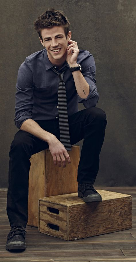 Grant Gustin-Will Cates-older brother of Alan and Nora- level 13 magic bearer-pulled towards magic over people