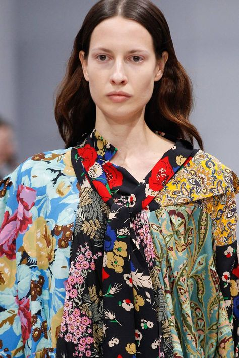 Balenciaga Autumn/Winter 2016 Ready-To-Wear | British Vogue