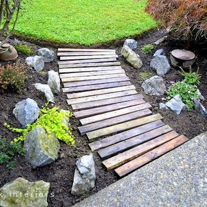 DIY - make a pallet wood garden path