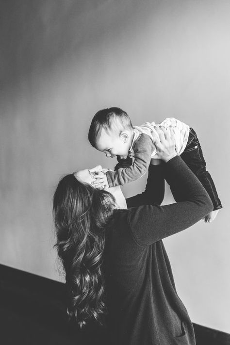 Mama and her one-year-old! Black and white mommy and me portraits are the sweetest! // Knoxville Minimal Family Portrait Photography // First Birthday Smash Cake Photos // Suzy Collins Photography