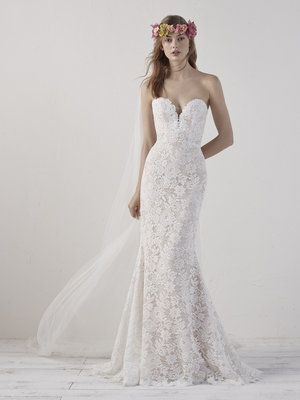 Eithel By Pronovias Available At Bridal Extraordinaire Bebride Kansasbride Bridal Ethel Pronovias Pronovias Wedding Dress Wedding Dresses Bridal Dresses
