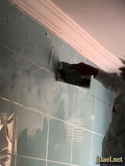 طريقة تركيب سيراميك جدران المطابخ بالغراء واهم النصائح بالصور Ceiling Lights Decor Track Lighting