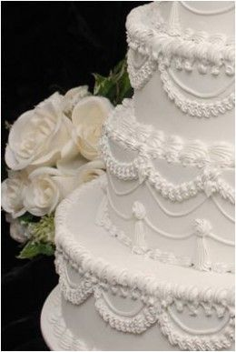 Easy White Wedding Cake Frosting Recipe Cakes And Frostings