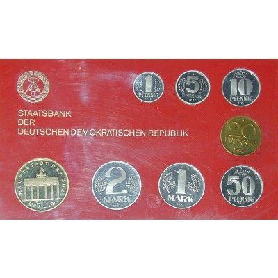 Ddr Kurssatz 1982 Brandenburger Tor Pp Kurssatz 1982 Brandenburger Tor Polierte Platte 200 00 Coins Numismatics Mit Bildern Ddr Ostdeutschland Ostalgie