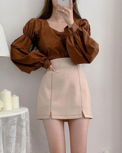 Wave Shirring Puff Blouse
