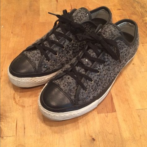 88fa2402770a Converse Grey Flannel Sparkly grey flannel converse. Size 6 in converse  that makes them an 8. Converse Shoes Sneakers