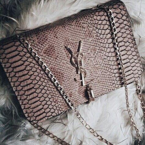 09c8101bbf Pin lisääjältä Anne Alanko taulussa Handbags saint laurent, Dior,chanel...  | Sac luxe,Sac mode ja Sacs à main de luxe