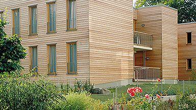 Fassade Aus Massivem Holz Fassadengestaltung Laminat Parkett Fassade