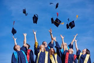 صور تخرج 2021 رمزيات مبروك التخرج Scholarships Graduation Images Graduation