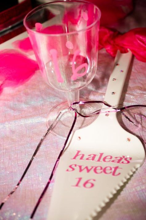 DIY easy 'Sweet 16'  party ideas.)
