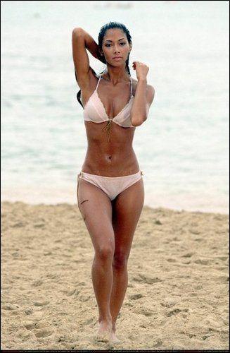 Nicole Scherzinger. Dance, Pilates and very good genes!
