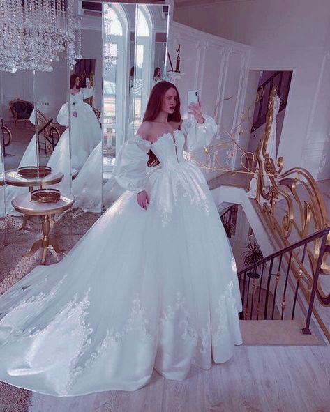 Ball Dresses, Ball Gowns, Girls Dresses, Xv Dresses, Evening Dresses, Wedding Dress Styles, Dream Wedding Dresses, Elegant Dresses, Pretty Dresses