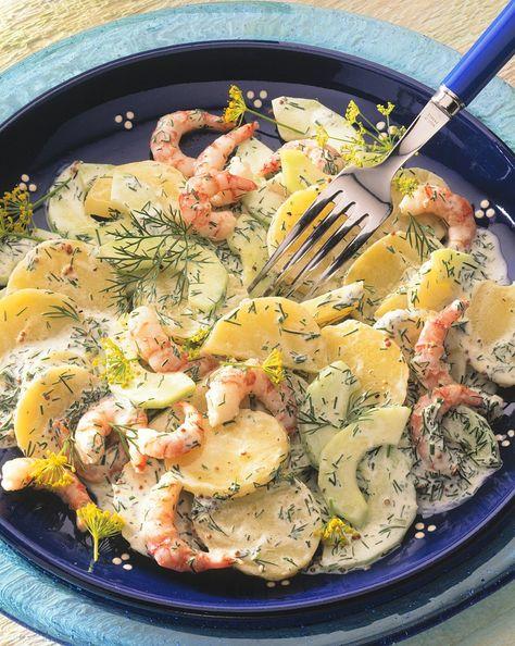 Kartoffelsalat mit Gurken und Shrimps   Zeit: 45 Min.    http://eatsmarter.de/rezepte/kartoffelsalat-mit-gurken-und-shrimps