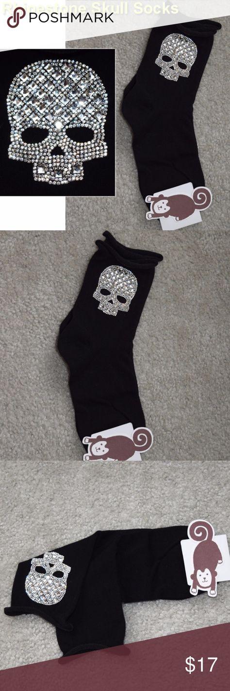 NWT Women's Socks Rhinestone Skull Black New with tag ONE