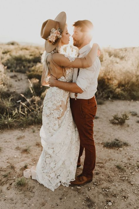 These fashion-forward hunnies took desert style to new level | Image by Valerie Thompson Photography