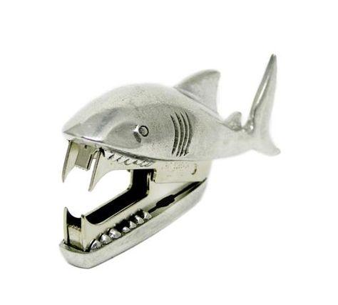Shark Staple Remover