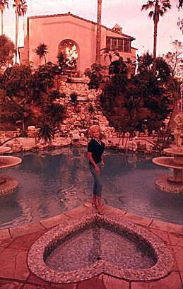 Image Result For Jayne Mansfield Pink Palace Cool Photography