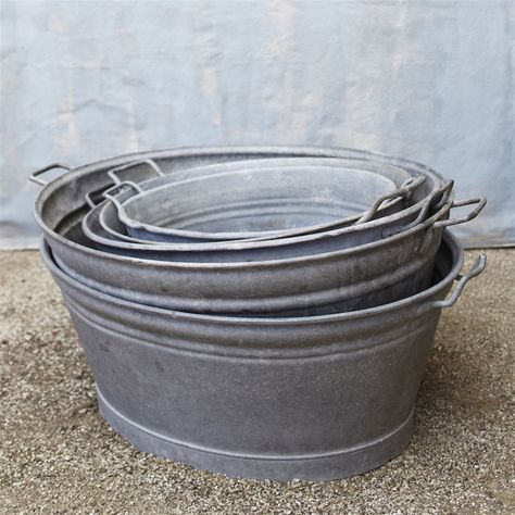 Galvanized Vintage Tubs In Different Sizes Repinned By Www Silver And Grey Com Wash Tubs Galvanized Tub Vintage Tub