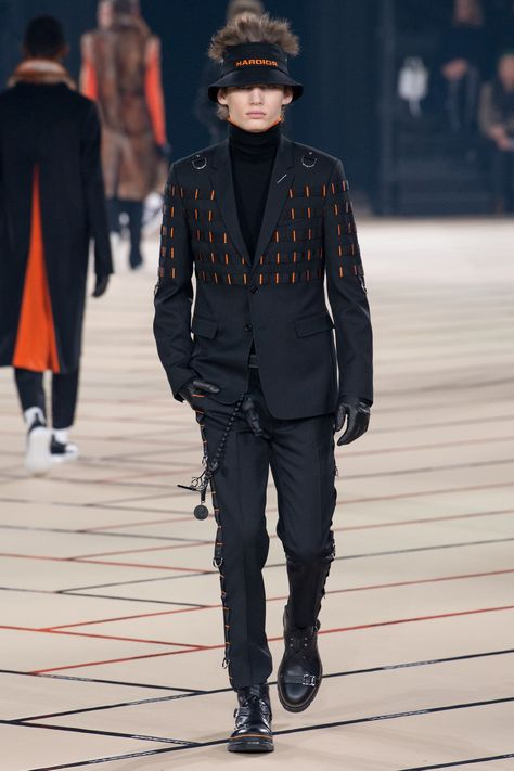 Dior Homme Fall 2017 Menswear Collection Photos - Vogue