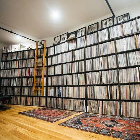 📷 @thevinylfactory . . . #vinylstore #art #vinyladdict #deejay #vinylcollector #crate #collection #vinyljunkie #records #vinyligclub…