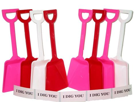 12 Pink Small Toy Beach Sand Shovels /& 12 I Dig You Stickers Mfg.USA Lead Free*