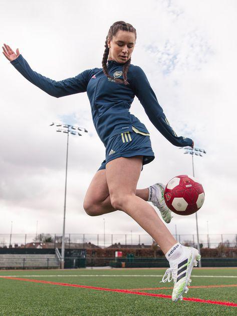 Girl Football Player, Football Girls, Football Outfits, Adidas Football, Soccer Players, Football Soccer, Girls Soccer Team, Female Football, Soccer Gear