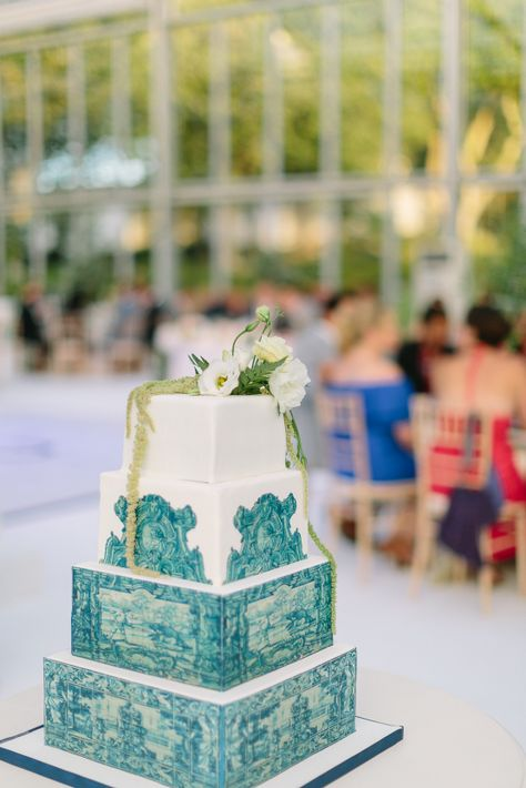 Lavish Lemon Inspired Portugal Destination Wedding – Portugal Wedding Photographer 37  Filled with citrusy decor, our two grooms basked in the glorious Portugese endless sunshine.  #bridalmusings #bmloves #portugal #destinationwedding #palacewedding #lemons #cake