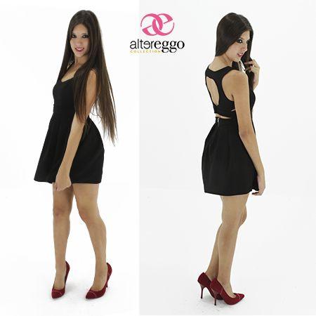 Vestido negro escote atras